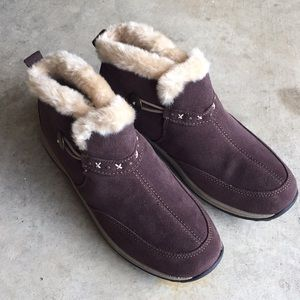 NWOT Easy Spirit Faux Fur Brown Ankle Boots